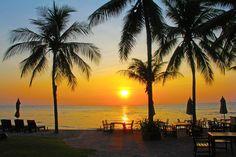 Combinatiereis Bangkok & Hua Hin/Cha Am Thailand Honeymoon, Visit Thailand, Bangkok, Vacation Places, Vacation Trips, Best Places To Eat, Places To Visit, Romantic Honeymoon, Romantic Beach
