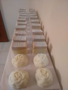 Handmade olive oil soap with coconut and palm oil with some cinnamon add+4 roses  Χειροποίητο σαπούνι ελαιολάδου με φοινικέλαιο ,λάδι καρύδας και λίγη κανέλλα + 4 τριανταφυλλα