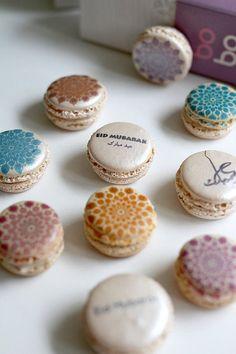 I want these for Eid ! Ya Amar printed macaron box for Eid/ Eid macarons/ Eid Mubarak/ Eid macaroons/ Eid Macarons, Cupcakes, Cake Pops, Sparkle Decorations, Macaron Boxes, Eid Eid, Eid Party, Ramadan Crafts, French Macaroons