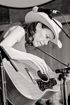 Gillian Welch at Merlefest Gillian Welch, Baby Portraits, Great Women, Race Cars, Cowboy Hats, Documentaries, Photography, Style, Fashion