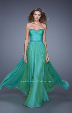 La Femme 20669 is a glowing chiffon gown featuring a sweetheart neckline with fitted upper bodice and lace applique detail. This gorgeous gown is ideal for prom, winter formals, gala or a pageant!  #ball #banquet #gala #classy #elegant Ball Gown / Evening Dress / Military Ball / Prom / Homecoming / Sweet Sixteen Dress