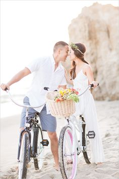 Cute Engagement Session based on the couple's favorite things. Captured By: Koman Photography #weddingchicks http://www.weddingchicks.com/2014/07/17/favorite-things-engagement-session/