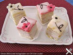 Zitronen-Petits Fours - Baking Recipes, Snack Recipes, Mini Tart, Best Cake Recipes, Edible Cake, Small Cake, Breakfast Dessert, Mini Muffins, Mini Foods