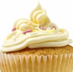 Happy Birthday Vanilla Cupcake fragrance oil by Natures Garden scents bakery fragrance. A fabulous wholesale vanilla scent that smells like cupcakes. Eggnog Cupcakes, Apple Cupcakes, Vanilla Cupcakes, Buttercream Cupcakes, Homemade Cream Cheese Icing, Cream Cheese Frosting, Sugar Frosting, Frosting Recipes, Glaze Recipe