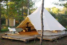 Forest Days is een belevenis voor natuurliefhebbers en avonturiers die van een beetje luxe houden. 4 volledig ingerichte tenten verscholen in het bos. #Spanje #Spain #traveltips #wanderlust #HolaSpain #vakantie #holiday #tent #glamping