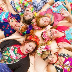 Een groepsuitje, team building, een te gek Event, of gewoon een dagje uit en zin in een Bossche Bol bijTante Annie? Wordt gelukkig bij Choco Loca! Fashion, Moda, La Mode, Fasion, Fashion Models, Trendy Fashion