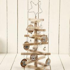 12641 Kerstboom met houten stokjes