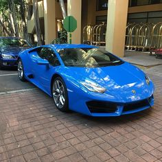 Beautiful blue RWD Lamborghini Huracan paid a visit to Sun City this weekend and @zeero_one was there to spot it! #ExoticSpotSA #Zero2Turbo #Lamborghini #Huracan #RWD #LP580 #SunCity