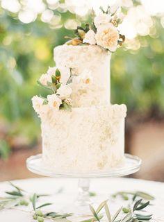 Maggie Austin wedding cake . Jose Villa Napa Workshop . Photo by Kayla Barker