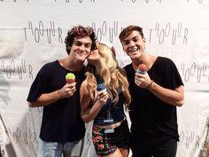 Mia Dio and the Dolan Twins