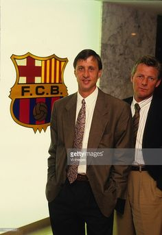 coach Johan Cruijff (L), assistant trainer Tonny Bruins Slot (R) of Barcelona during a photoshoot on August 7, 1988 at Barcelona, Spain.
