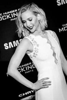 """Jennifer Lawrence at the premiere of """"Mockingjay part.2"""" in Los Angeles, 2015."""