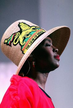 450637742-lauryn-hill-performs-onstage-at-the-other-gettyimages.jpg 404×594 ピクセル