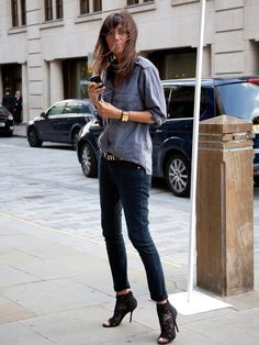 Chambray & black skinnies. Weekend chic. It helps if you are the Editor in Chief of French Vogue too...