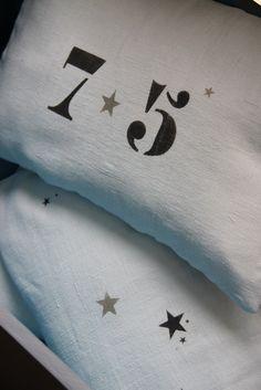 coussins en lin (draps de lin anciens) customisés www.petitebelette.com