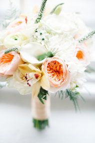 bouquet full of creamy whites and peach garden roses Bride Bouquets, Bridesmaid Bouquet, Floral Wedding, Wedding Flowers, Wedding Colours, Elegant Wedding, Peach Bouquet, Peach Flowers, Cream Flowers