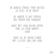 Gewoon JIP. |Gedichten | Kaarten | Posters | Stationery | & meer © sinds feb 2014 | De wereld straalt meer beetjes | Geboorte | Geboortekaartje | Felicitatie | Baby design | Babyshower | Idea | Babykamer | Geboorte tekstje © Een tekstje van JIP. gebruiken? Dat kan! Stuur een mailtje naar info@gewoonjip.nl Baby Poems, Baby Quotes, Poem Quotes, Quotes For Kids, Wisdom Quotes, Qoutes, Diy Cards Baby, Cool Words, Wise Words