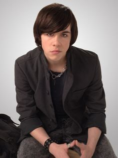 Munro Chambers: hottest goth and play director in Degrassi