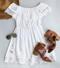 This elegant dress is in a beautiful white colour, just own it to have you dancing into the sunset. Find more creatives at Cupshe.com