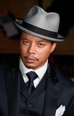 Talk about a #classy look! Nice upturned stingy brim #fedora.