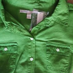 SOLD!!! Old Navy Womens S/S Cotton Button Front Fitted Kelly Green Shirt NEW  #OldNavy #ButtonDownShirt #Casual