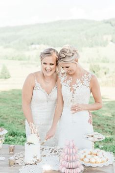 Pink Boho LGBTQ Winery Wedding Inspiration – Sierra Rose Photography 41 Blush pink details, braided hairstyles & embellished gowns in this gorgeous green hills make this shoot so pretty & feminine! #bridalmusings #bmloves #oregon #lgbtq #weddinginspo #weddinginspiration #winery