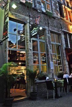 http://www.tripadvisor.nl/Restaurant_Review-g188636-d2171792-Reviews-Krua_Thai-Antwerp_Antwerp_Province.html