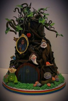 * Snow White themed cake designed as a tree. Fancy Cakes, Mini Cakes, Cupcake Cakes, Cupcakes, Snow White Cake, Character Cakes, Disney Cakes, Novelty Cakes, Disney Films