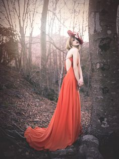 Rebeca Saray  'Lady in red'