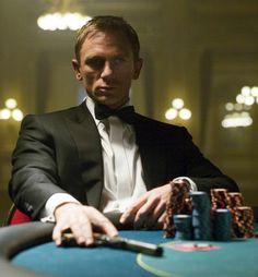 Daniel Craig as James Bond in Casino Royale Daniel Craig James Bond, Film D'action, Film Serie, Rachel Weisz, Style James Bond, James Bond Casino Royale, Casino Royale Movie, Service Secret, Best Bond