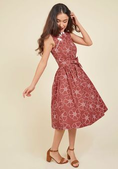 You discuss the lives of those remembered looking quite memorable yourself in this cotton, A-line dress - a ModCloth exclusive! Your ensemble is intelligent - the stand-up collar, knotted faux-buttons, and chic white poppies of this pocketed frock is a nonfiction novelty.