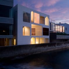 Nowhere but Sajima by Yasutaka Yoshimura Architects  프라이버시와 전망이 양립할 수 있을...