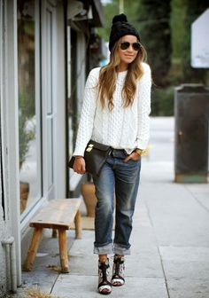 Simply Jules in boyfriend jeans and a white sweater
