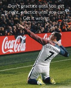 Improve Your Soccer Game With These Helpful Tips! As popular as the sport is, it's not surprising that so many people want to know more about the game of soccer. It is important to understand the game befo Soccer Memes, Soccer Tips, Sports Memes, Soccer Stuff, Golf Tips, Volleyball Tips, Best Football Players, Soccer Players, Football Soccer