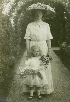 Princess Sibylla of Saxe-Coburg and Gotha as a child with her mother, Princess Victoria Adelheid of Schleswig-Holstein, ca.