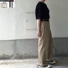 "Reposting @aa_kkr: ... ""一昨日はredkapのワークチノ"" Womenswear mode style ootd outfit femme"