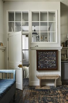 Perfect English Townhouse by Ros Byam Shaw, published by Ryland Peters Small Interior Architecture, Interior And Exterior, Interior Design, Townhouse Interior, Perfect English, Shabby, House And Home Magazine, Interior Inspiration, Decoration