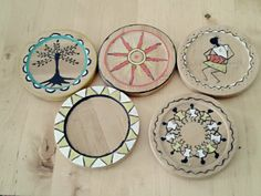 Nice warli painting on the coasters and the stand.