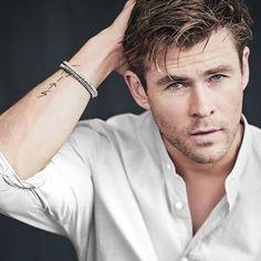 Hot Actors, Actors & Actresses, Photo Pose For Man, Photo Poses, Hemsworth Brothers, Chris Hemsworth Thor, Z Cam, Australian Actors, Man Thing Marvel