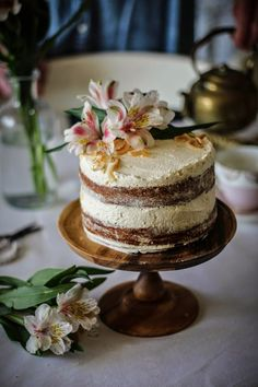 hummingbird cake with cinnamon and honey cream cheese frosting