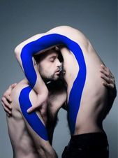 Art and love. Creative Portraits, Creative Photography, Art Photography, Fashion Photography, Creative Photos, Robert Mapplethorpe, Photomontage, Pierre Debusschere, Body Painting Men