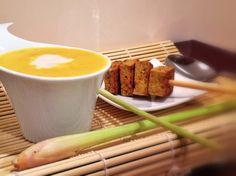 Nicht nur die Kartoffelsuppe mit Kokos und Zitronengras * von gogreeneatclean sieht toll aus, sondern einfach das ganze Arrangement, findet ihr nicht auch?