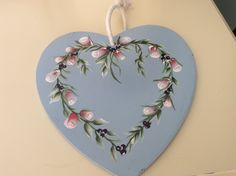 Our Series 2 rosebuds create a beautiful border and look great on this decorative heart Sue has created. A gorgeous gift idea or home decor.