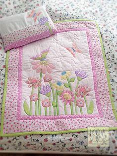 Love Colors by Julianna Rencés Kovács baby quilt with butterflies and flowers https://www.facebook.com/LoveColorsByJuliannaRencesKovacs