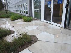 Vi har leveret de specialfremstillede fliser til Novo Nordisk. Novo Nordisk, Aarhus, Sidewalk, Patio, Outdoor Decor, Home Decor, Decoration Home, Room Decor, Side Walkway