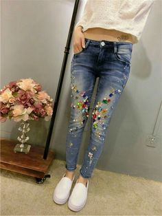 £: European 2015 spring new diamond beading Slim jeans feet pencil pants were thin stretch jeans Bling Jeans, Diy Jeans, Stretch Jeans, Embellished Jeans, Embroidered Jeans, Denim Fashion, Fashion Outfits, Mode Kawaii, Clothes Refashion
