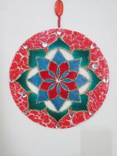 """""""A beleza das cores encanta, aquece a alma"""" (Naregi Mandalas Vitrais)"""