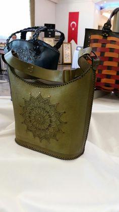 Yeşilin en güzel tonuuu. ..güzel çantam