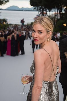 Image has been retouched.) Actress Sienna Miller attends amfARs Cinema Against AIDS Gala, Presented By Bold Films And Harry Winston at Hotel du Cap-Eden-Roc on May 2015 in Cap dAntibes, France. Sienna Miller Style, Sienna Miller Makeup, Celebs, Celebrities, Holiday Fashion, Formal, Beautiful People, Celebrity Style, Glamour
