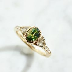Parti-sapphire ring